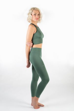 Yoga Top Stretch Outfit (seitlich)